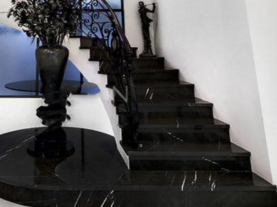 Đá đen ốp cầu thang nội thất