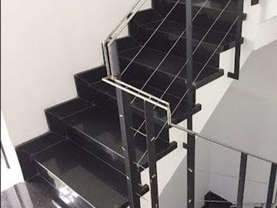 Đá kim sa trung đen ốp cầu thang nội thất