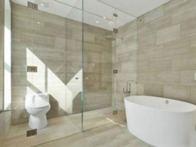 Đá Marble vân gỗ Ý ốp phòng tắm
