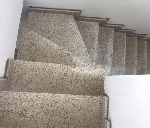 tổng hợp một số mẫu đá ốp cầu thang giá rẻ
